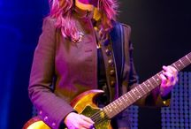 Heart ❤ Nancy Wilson • Female Guitarist - Crazy On You…