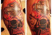 Harleysite #Repost @hddyna_ with Work in progress, almost done. #harleytattoo #harleydavidsontattoo @stingraytattoo