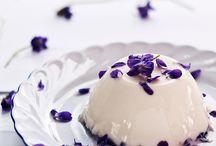 Dies Violae Spilimbergo Italy / Dies Violae è una festa che si tiene a Spilimbergo PN, il mese di marzo. Il tema è un fiore di primavera: la viola o violetta in tutte le sue espressioni