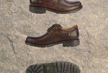 Dr.Flexer Serisi / Dr Flexer' in doktor tavsiyeli Anatomik ayakkabılarıyla tanışın. 3 yıl boyunca yapılan çalışmanın ürünü olan Dr. Flexer ayakkabılar, ayak ağrılarınıza, topuk dikeni, düz taban ve taban çökmesi gibi rahatsızlıklarınıza iyi geliyor.