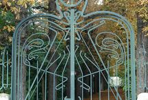 art-metal gates and arches