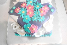 my creations! (cupcakes, fondant, jello and more ..) / todos los postres que hago :)  / by Maf Og