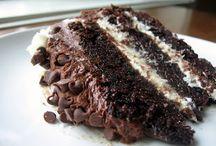 Eatsy - Cake Stand / by Karol Hollis