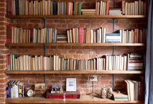 Estante de livros.