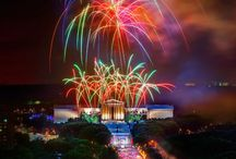 July 4th: America's Birthday in America's Birthplace / As the birthplace of America, Philadelphia throws a Fourth of July bash like no other city, with free festivals, concerts and fireworks, plus other fun events around the region that pack the long holiday week.  / by Visit Philly