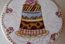 pintura sobre porcelana / by Claudia Gimenez
