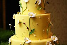 Cakes: Yellow / by Bonnie Merchant