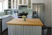 Kitchens / by Mindy