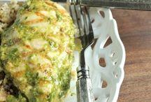 Healthy Dinner Recipes / by Sara Halwix