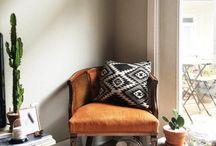 interieur orange black gray blue