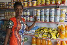 UMF (Uganda Microcredit Foundation) / UMF (Uganda Microcredit Foundation) est une IMF qui propose des prêts ainsi que d'autres services de microfinance aux personnes économiquement actives en Ouganda. L'institution s'est spécialisée dans les produits commerciaux et personnels, financiers et non financiers à destination des entreprises et des particuliers afin de faciliter leur développement. Les produits proposés sont notamment conçus pour encourager les clients à développer une culture d'épargne. ©Philippe LISSAC