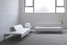 Muebles o sofás minimalistas