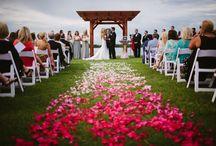 wedding: megan + thomas / Photographer: Dream Pop Media -  http://dreampop.tv/ Flowers: Gayla Harvey -http://tigerlilyweddings.com/ Venue: The Island House -http://islandhouseevents.com/ Planner: Arielle Stratton; Party.Love.Birds - http://www.partylovebirds.com/