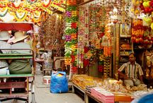 Best markets in Delhi / In Delhi, you will find several markets. Before going there check that it is opened, most of the markets are closed one day. Here are the best markets that you must do, and their opening hours.