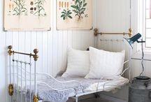Window seat reading oasis / by Jennifer Hall