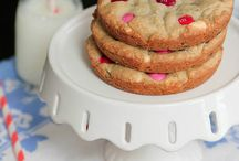 Muffintop pan cookies / by Barbara Stodgell
