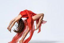 tanec / tanec vášně s ohněm v těle