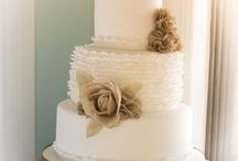 wedding cake ideas / some ideas to pick the perfect cake for your destination wedding in Tuscany
