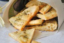 τριγωνακια από πίτα από σουβλάκι