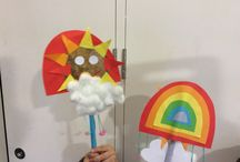 Family Workshop Sun on a Stick 4.8.15 / Tuesday Tots learned what it takes to make a rainbow. Can you spot your work?