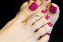 nail feet