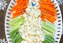 Super fun veggie tray for a Frozen themed party! I can't…