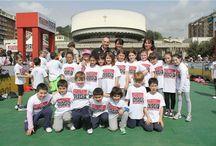La Spezia  / É una splendida mattina di sole quella che accoglie i bambini e le bambine delle scuole elementari e medie di La Spezia il 3 maggio 2013...