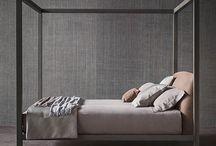 La camera da letto: forme e colori / Ogni camera da letto è pensata per chi la deve vivere, progettata su misura e arredata con stile. Per questo scegliamo mobili di alta qualità, come i prodotti Flou, Flexform, Kartell e Novamobili.