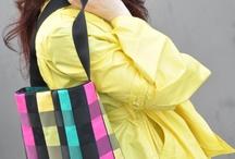 LA...CROIX... / Il était une fois de merveilleux coupons haute couture dont l'Atelier Dina fit de tout aussi merveilleux sacs... Qu'ils se tiennent à carreaux !