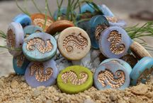 Summer Time / Summer is under way and new summer-tuned beads are here!