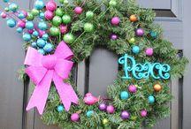Holiday Wreath Ideas / by Shanita Thompson Mills