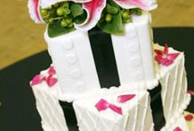 all about wedding cakes / by Patti Neminski
