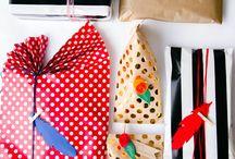 Geschenke verpacken / Geschenke, Geschenkeverpacken, Verpacken, DIY Geschenkeverpacken, Verpackungsideen, Geschenkpapier, Papierblumen, Papier, Tüten, Verpackung