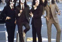 'Kiss & Gene Simmons'