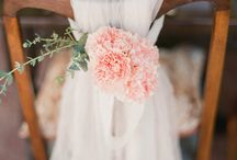 Wedding chair decor / Ideas for the perfect wedding chair decor with flowers, boards, signs and materials