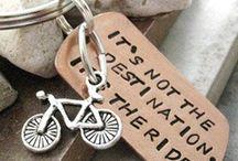 Bicycling / by Catherine Cassou