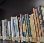 Livros online / by Helcio Rabello