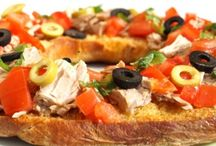 Italian Food - Bruschetta / Bruschette Crostini Friselle