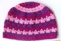 pletení a háčkování čepic a šátku