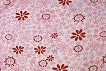 Monaluna / Stoffe von Monaluna, die auf www.pom-pon.ch erhältlich sind.