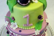 Cakes - Ladybug / by Debra Richter-Silnicki