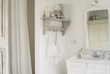 Bathroom / by Esther Zwagerman