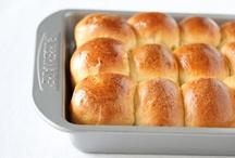 Bread/Rolls / by Jane Doiron