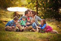 Family Photography Ideas / by Chanel Parrott Apsey