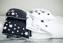 BEDDING SETS / Our soft and cosy bedding set is made of natural linen, a fabric made from vegetal fibers of the flax plant. Linen texture keeps kids cool by absorbing moisture and deflecting heat, while in cool weather it retains body heat.