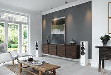 Salones: Estilo & Tecnología / Ideas de diseño para interiores domésticos donde la tecnología audiovisual e HiFi toma relevancia.