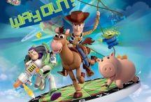 Fototapet Toy Story / Povestea desenelor preferate ale celor mici poate ajunge pe peretii camerei copilului tau! Celebra poveste de la Walt Disney este acum disponibila si pe fototapet Toy Story. Simpaticele personaje indragite de toti copii, sunt pregatite sa decoreze camerele celor mici. Fa-i copilului tau o bucurie si alege unul dintre modelele de fototapet cu desene animate Toy Story.