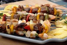 Kebobs / Kebabs / Kebabs are a grillmasters best friend. They are easy to serve and quick to cook, can be prepared ahead, and a little goes a long way.   They make excellent appetizers and can also star as the main dish.  They are extremely versatile as there are many flavour profiles that fit for the meat and the sauces
