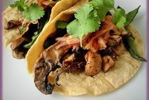 Cinco de Mayo: Healthy Vegetarian Plant-Based Gluten-Free Recipes / Healthy, vegetarian recipes for a delicious, gluten-free Cinco de Mayo party.  Everything from easy Black Bean Cakes to vegan Mexican Chocolate Sauce.  This natural, fresh menu is great for a group dinner or choose a few recipes as a meal for one.