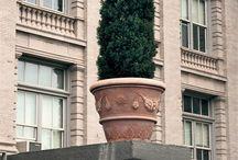 Terracotta pots all around the world / I nostri prodotti artigianali di terracotta in tutto il mondo.
